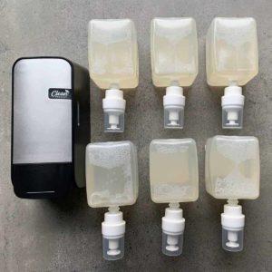 Dispenser & 6x anti Bac. foam soap (12.000 doseringen)